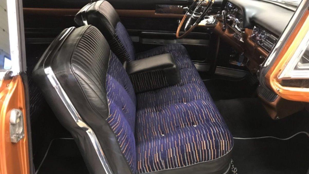 Nydelig interiør som matcher utsiden av bilen.