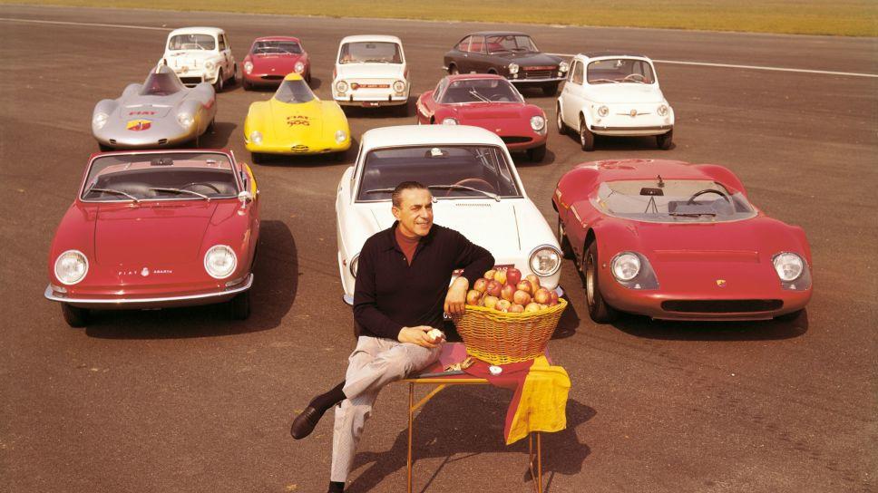 Carlo Abarth og noen av hans herlige skapninger en gang på 60-tallet.