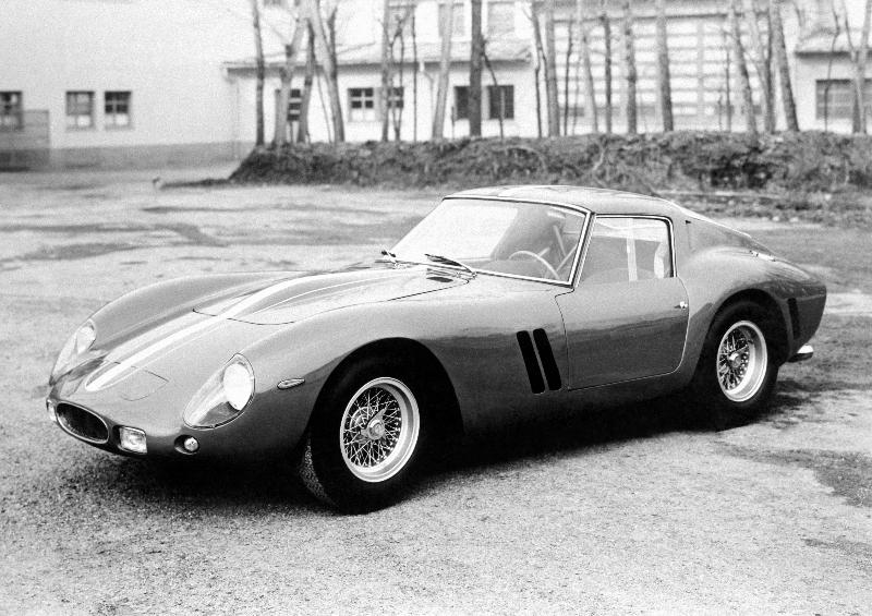 Ferrari 250 GTO er ansett som en av de fineste bilene som er laget og holder rekorden som verdens dyreste klassiske bil. En bil til vanlig bruk som var klargjort for baneracing.