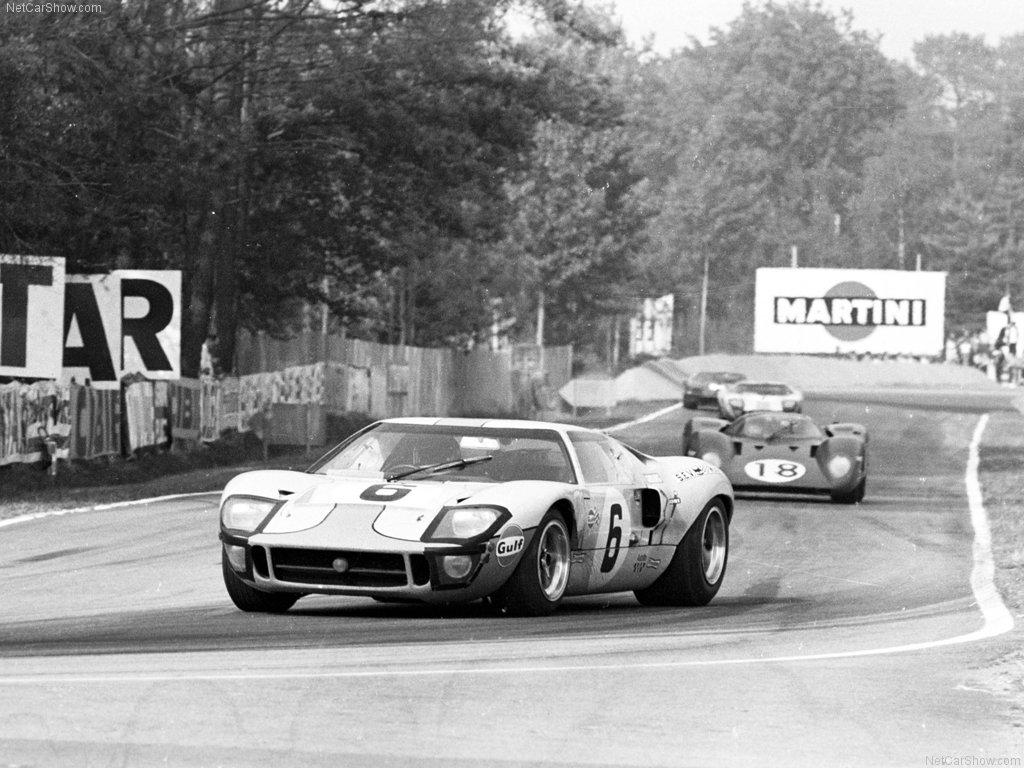 Hva skal man si annet enn ikonisk. Ford  ble den første bilprodusenten fra USA til å vinne Le Mans i 1966. Tok Ferrari av tronen 4 år på rad. Win on Sunday – sell on Monday.