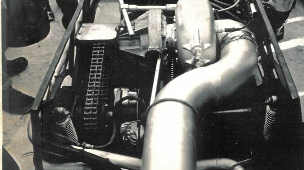 Boss Cat 1 hadde turbinmotor som var kjent for å eksplodere. Det gjorde også denne