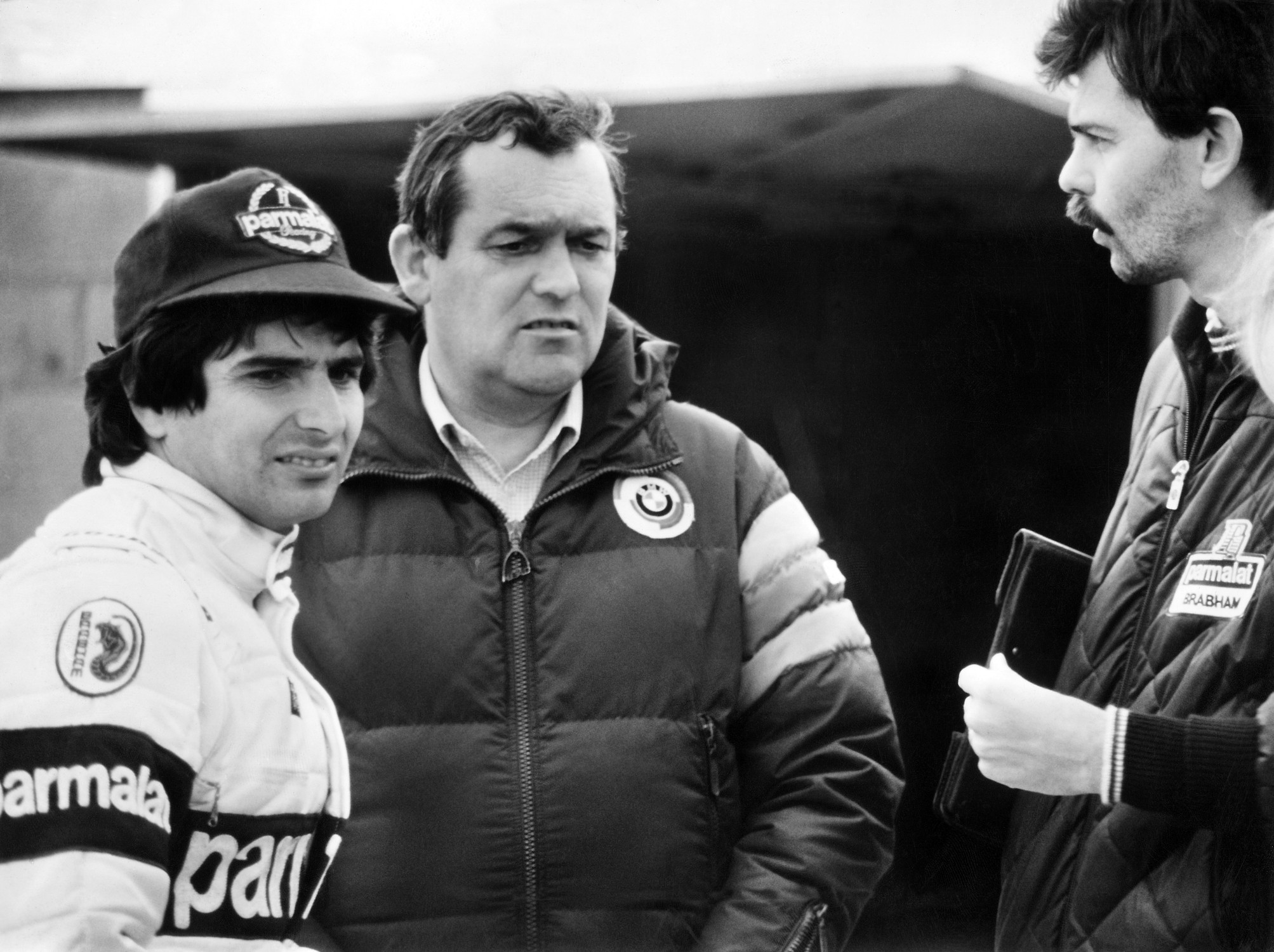 Gordon Murray(til høyre) sammen med BMWs motorguru Paul Rosche og Brabhams stjernefører Nelson Piquet.