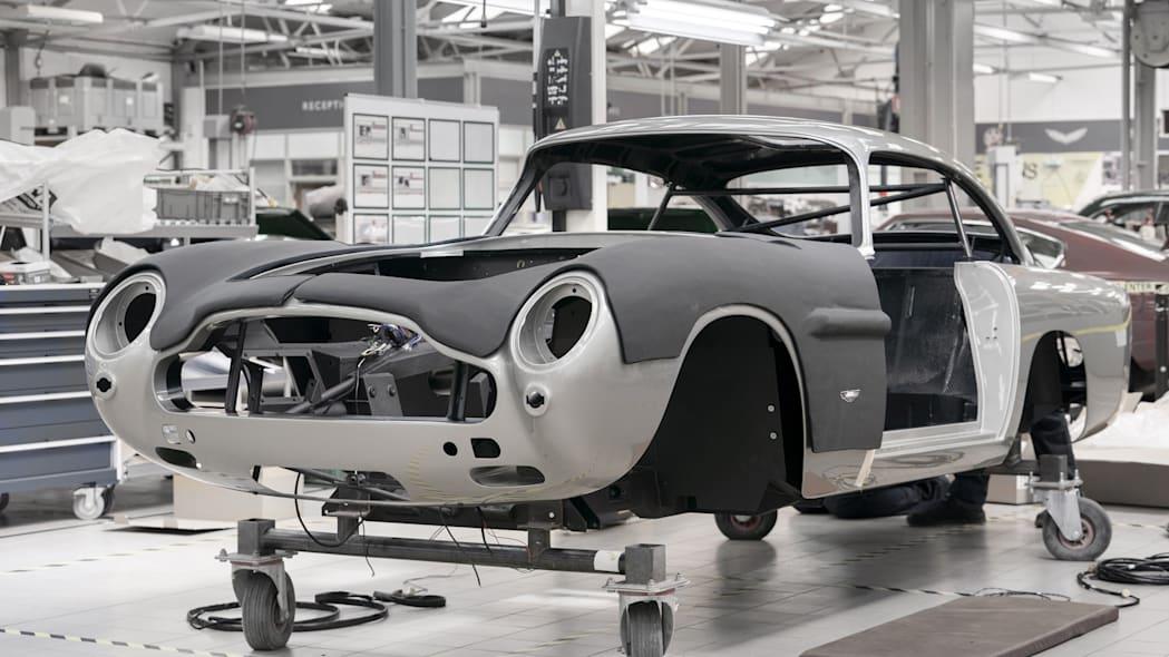 Aston Martin lager 25 nye biler som koster 30 millioner kroner
