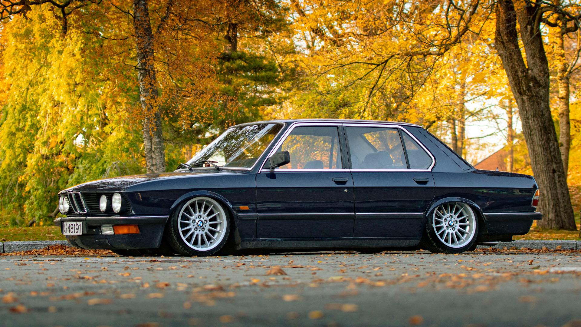 Sigurds flotte E28 – 1982 BMW 525i