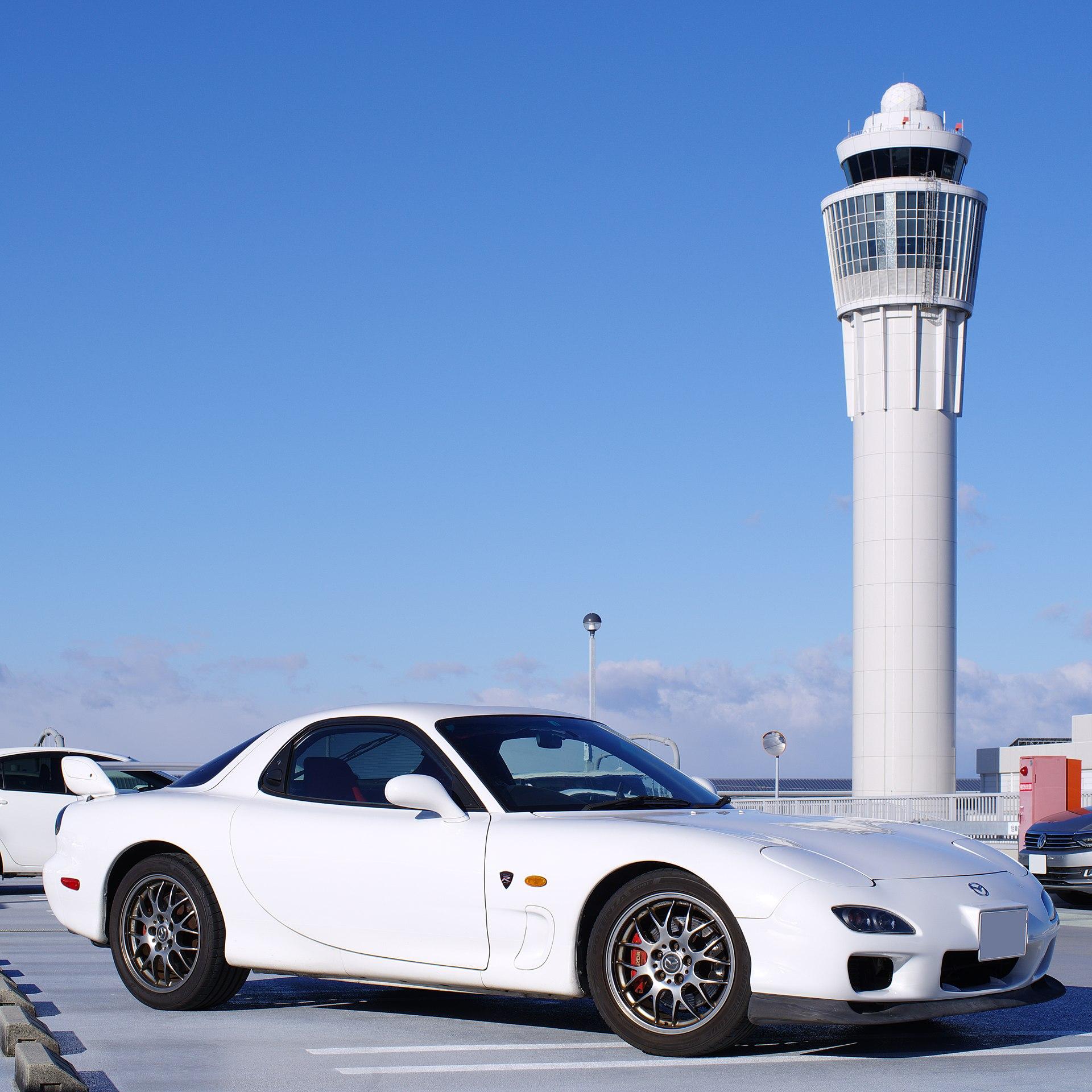 Også det Japanske markedet fikk mange OEM BBS-hjul, for eksempel Mazda Rx7. Her en 2002-modell. Bilde: Wiki Commons.