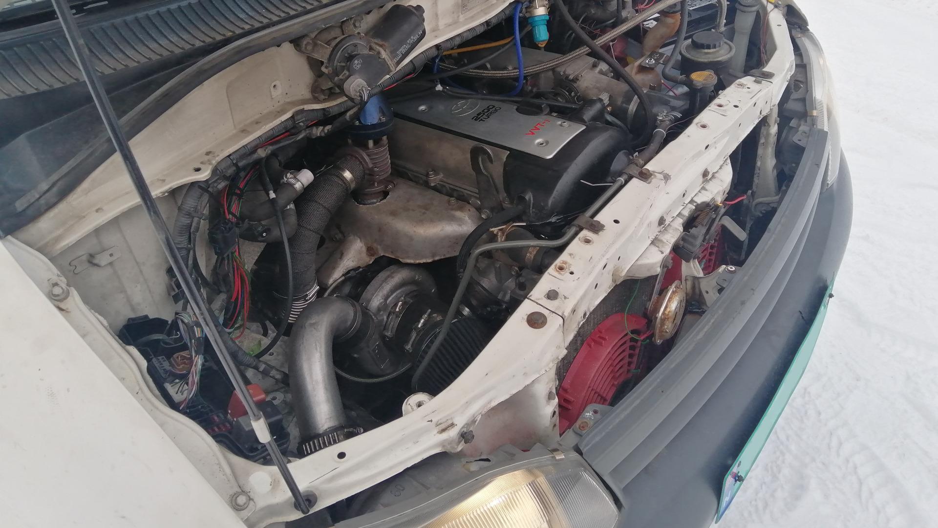 Denne motoren er godt kjent innen motorsportmiljøet, men den er et sjeldent syn i varebiler