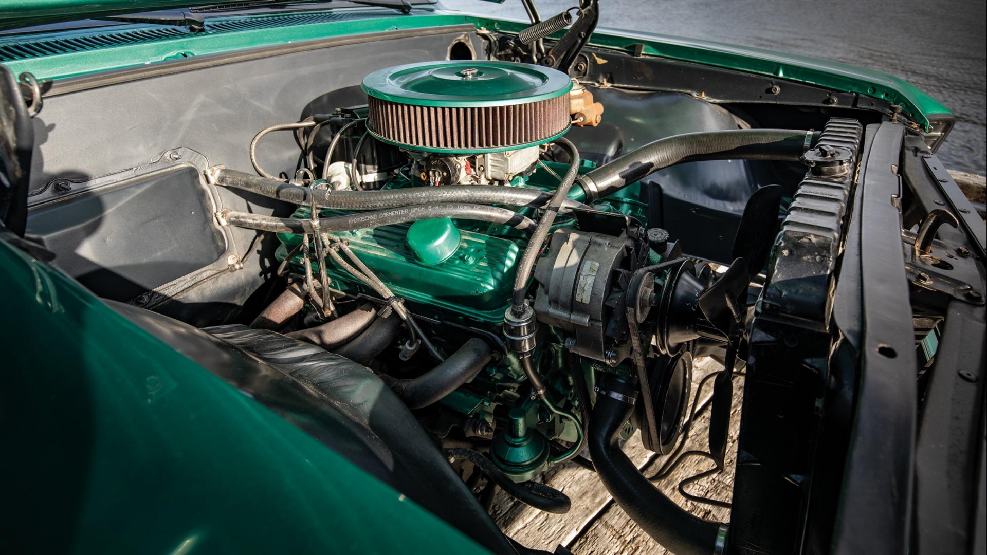 I bilen står en 350 cid med 350 girkasse.
