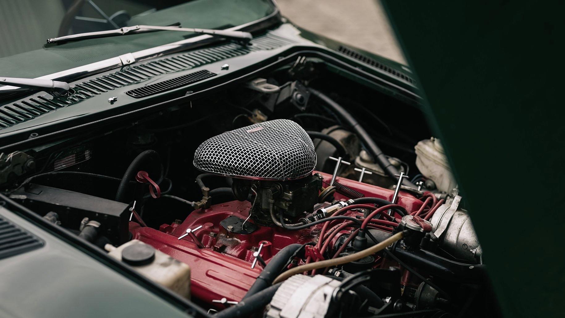 5,9 liters V8!