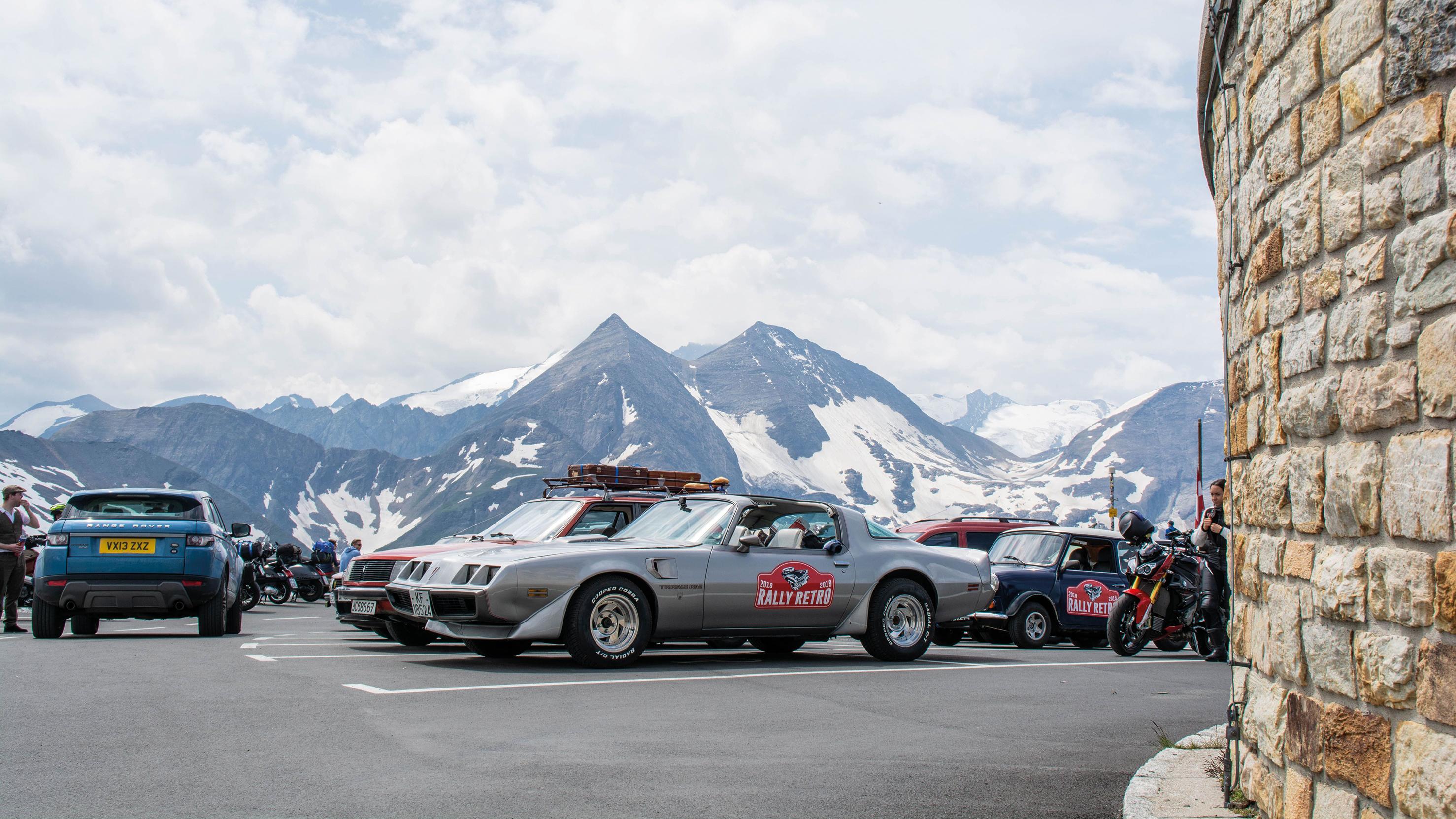 Pontiacen ble en populær begivenhet på utkikkspunkt i Alpene