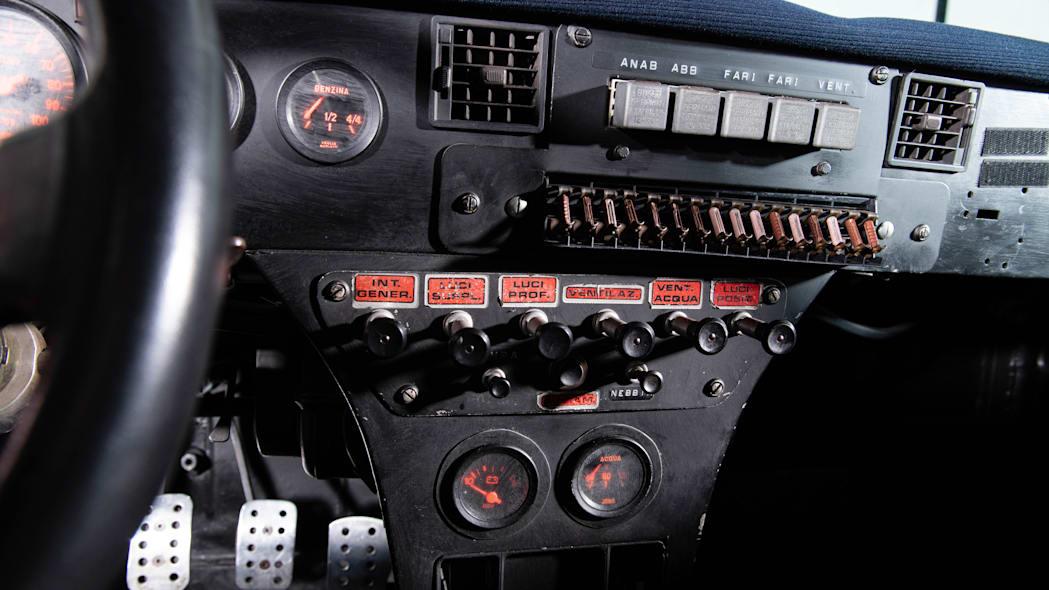 Enkelt og oversiktlig cockpit