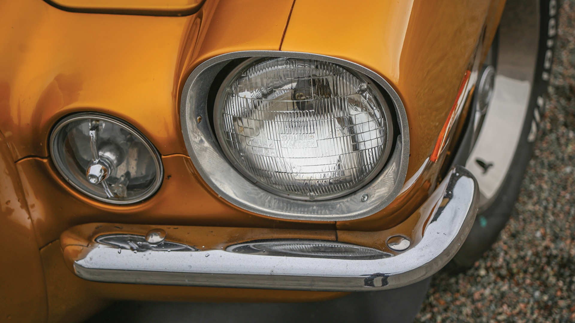 Andregenerasjon Camaro har svært karakteristiske frontlykter.