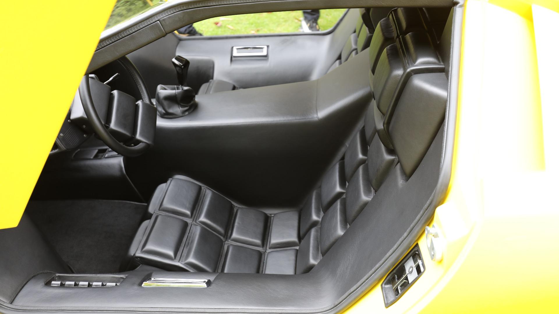 Setene har mer markerte blokkputer enn produksjonsbilen