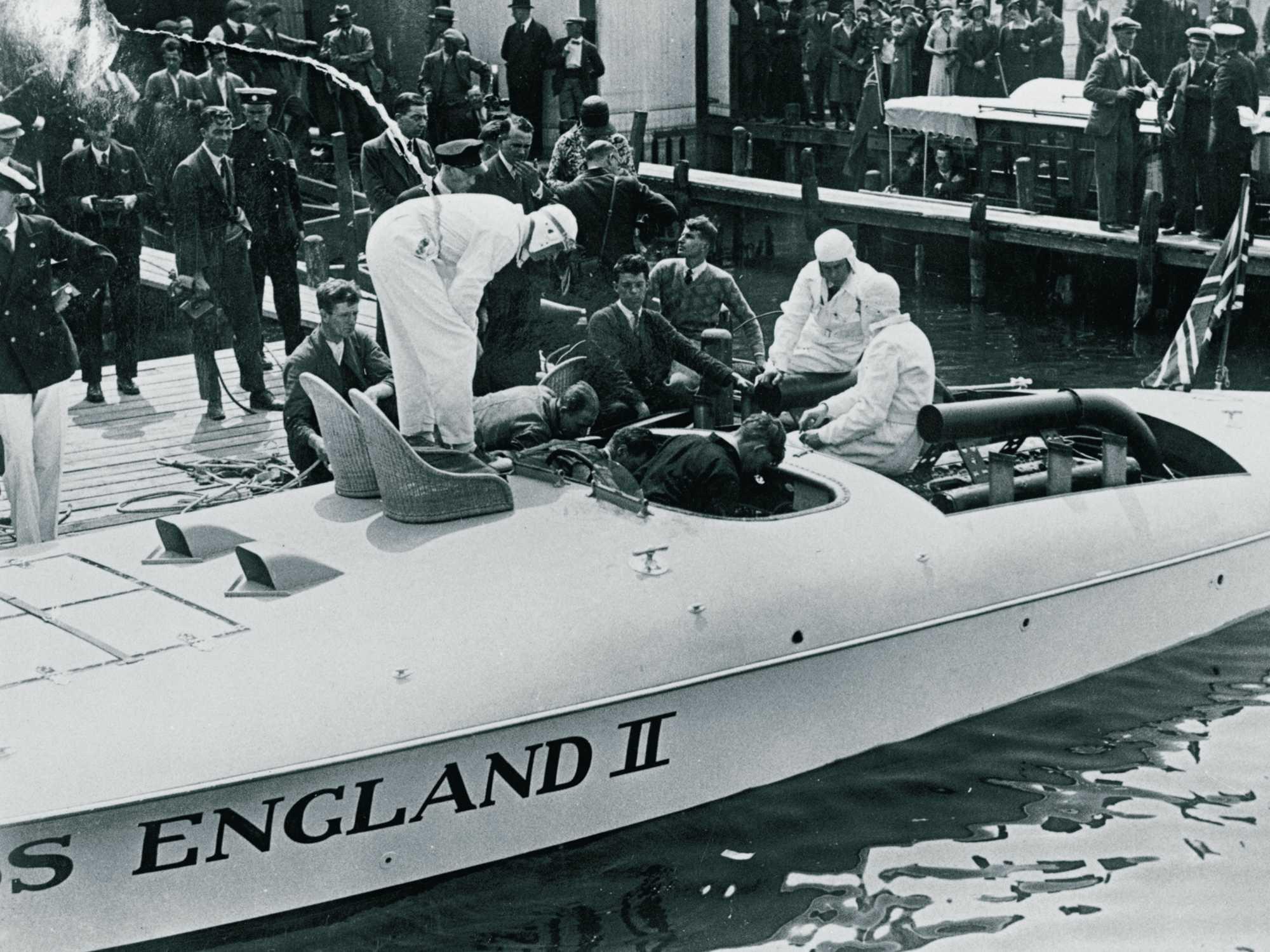 Miss England II med sine to R-motorer.