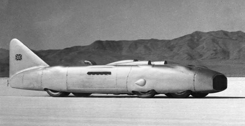 Thunderbolt med to R-motorer.