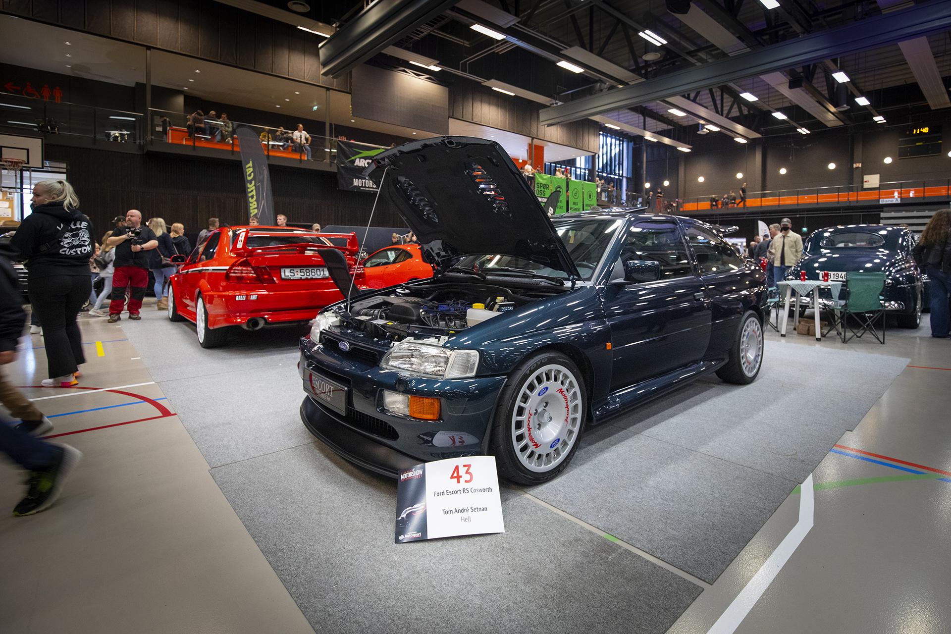 Tom Andre Setnan viste frem sin strøkne Escort RS Cosworth.