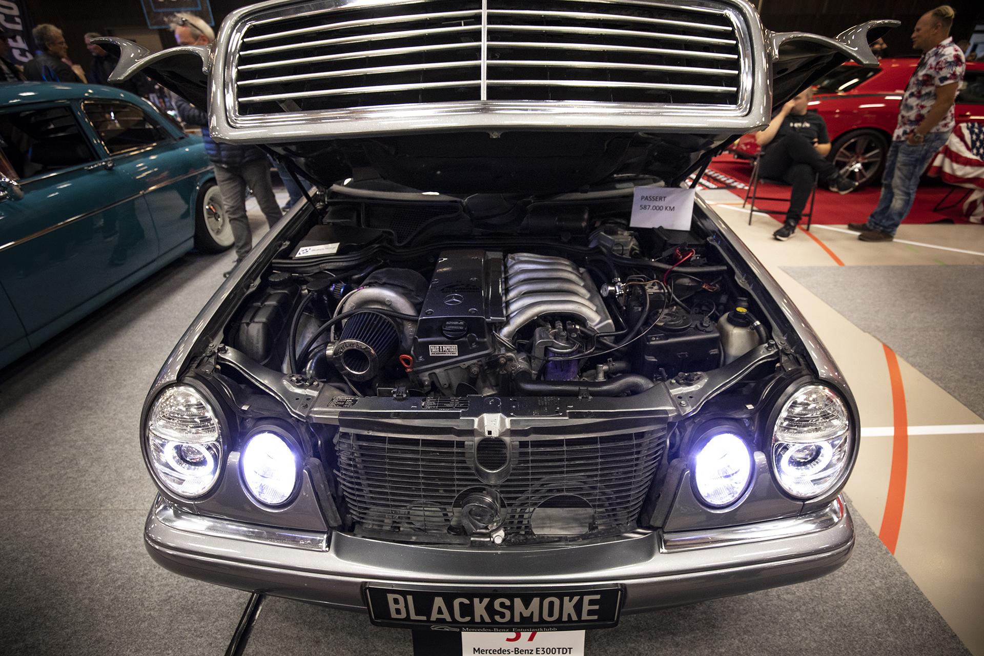 Mercedes-Benz som har passert 587.000 km får også en rettmessig plass på Motorshowet!