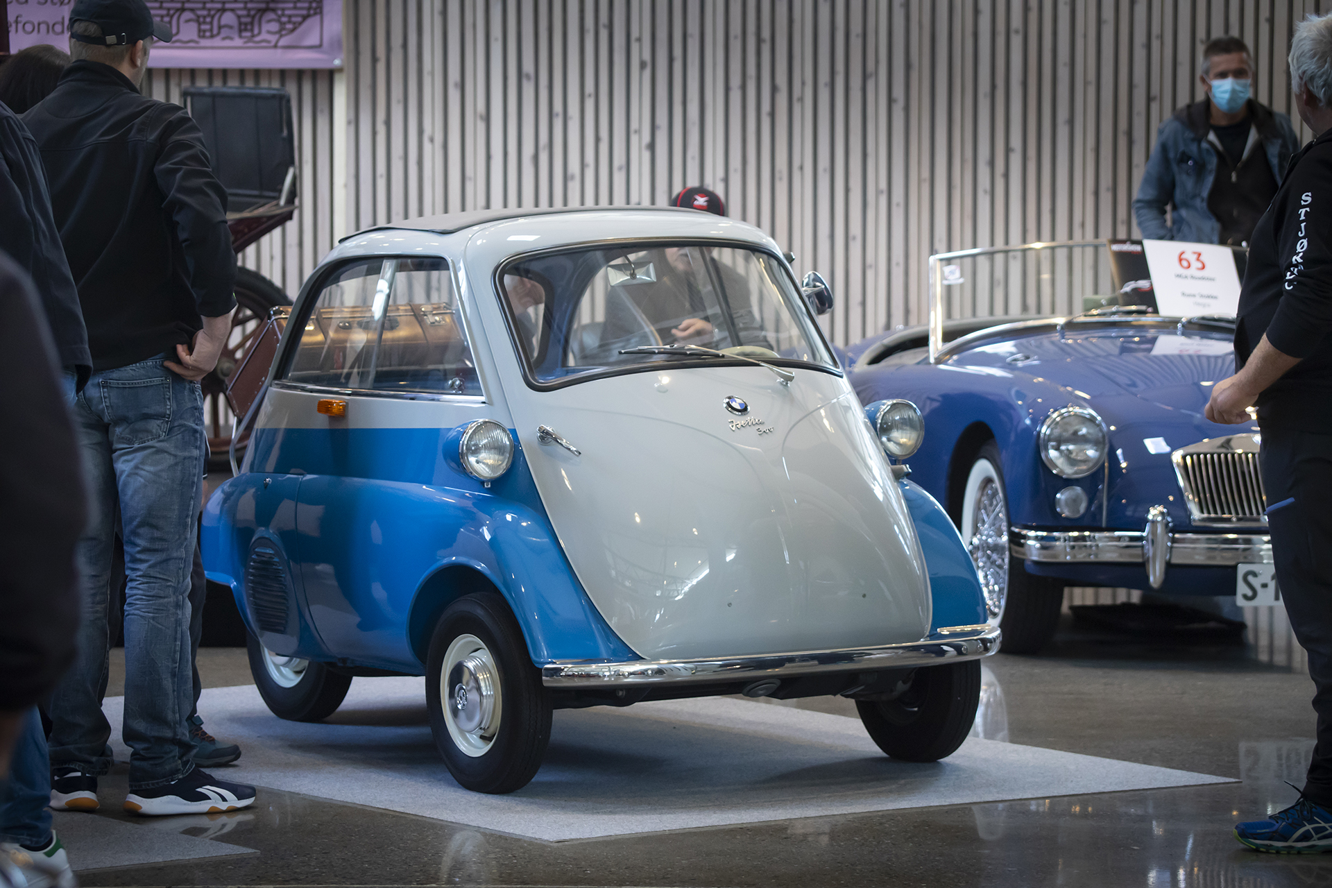 Øyvind Dahl hadde med utstillingens søteste, i form av en BMW Izetta.