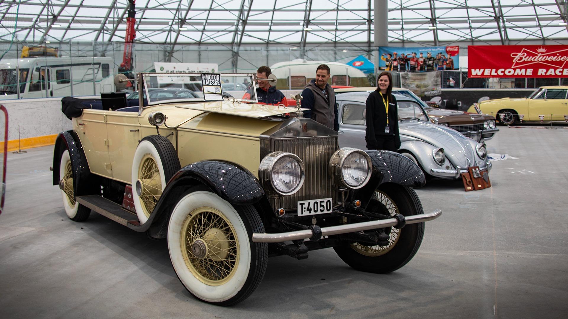 Det blir knapt mer massivt en dette. En utrolig vakker Rolls-Royce Phantom 1 fra 1928.