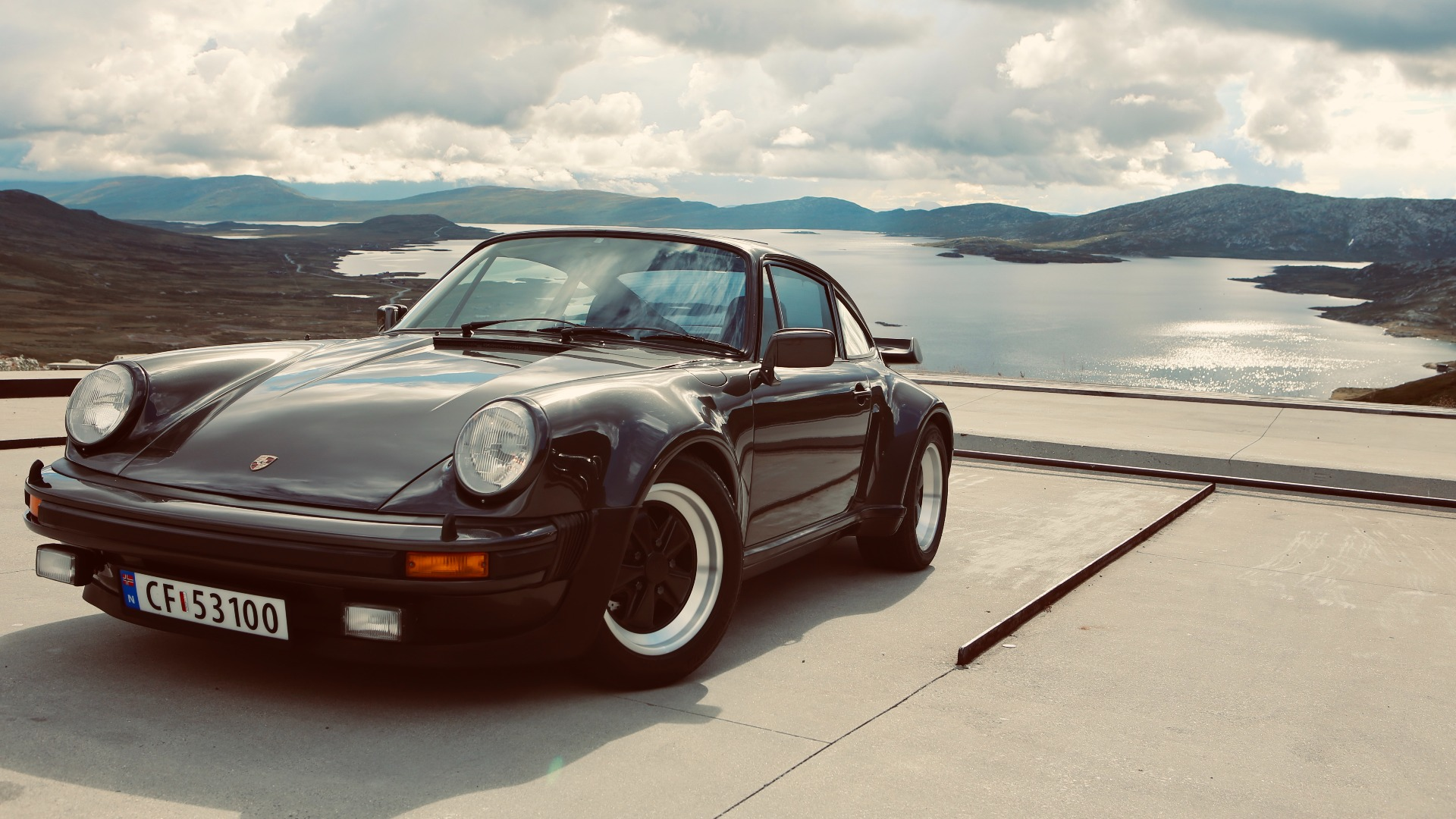 Ukas bil – 1979 Porsche 911 Turbo