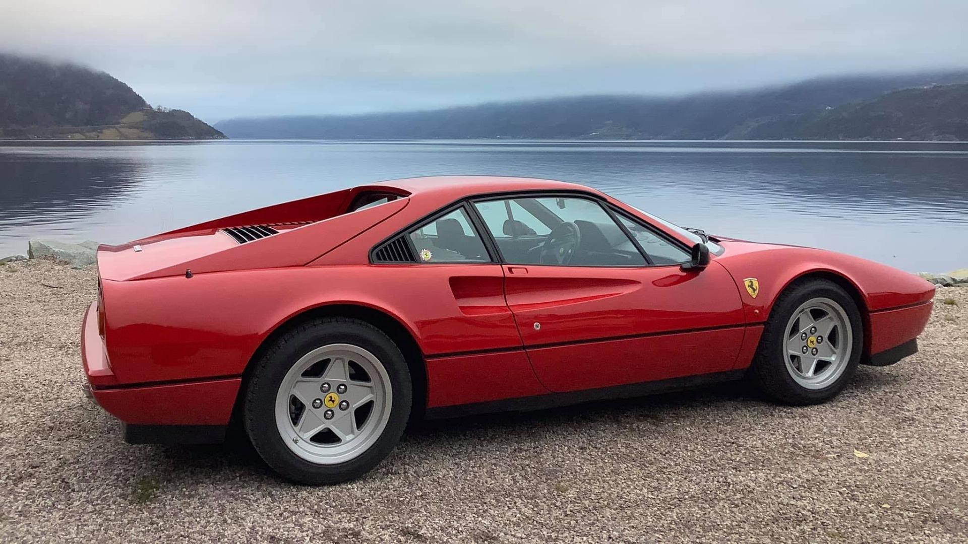 Ukas bil – 1987 Ferrari 328 GTB
