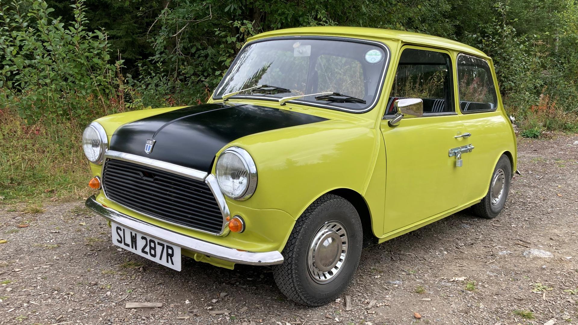 Ukas bil – 1970 Mini Mr. Bean Replica