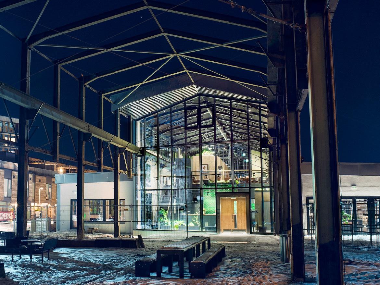 Glassfasaden på nye Credo Restaurant og Jossa Mat og Drikke på Lilleby.