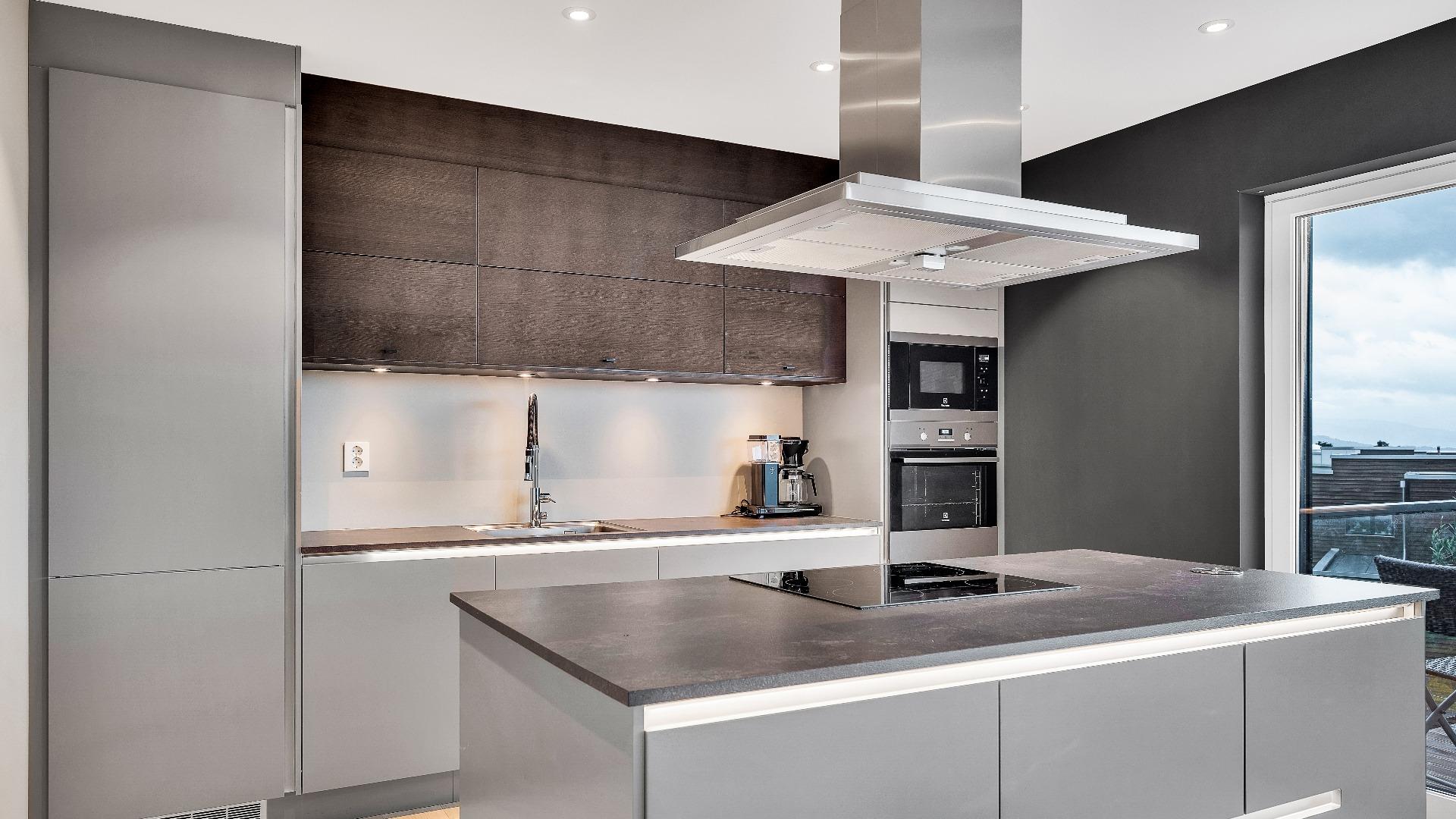 Ønsker du å bytte ut det gamle kjøkkenet? Vi tar jobben