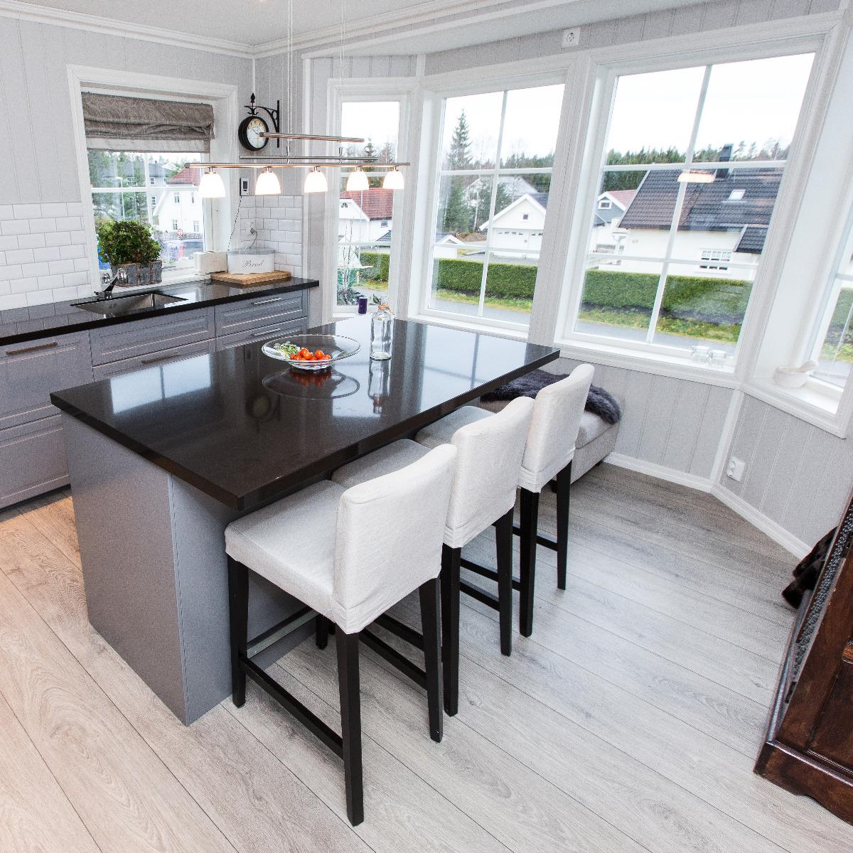 Kjøkken med utsikt.