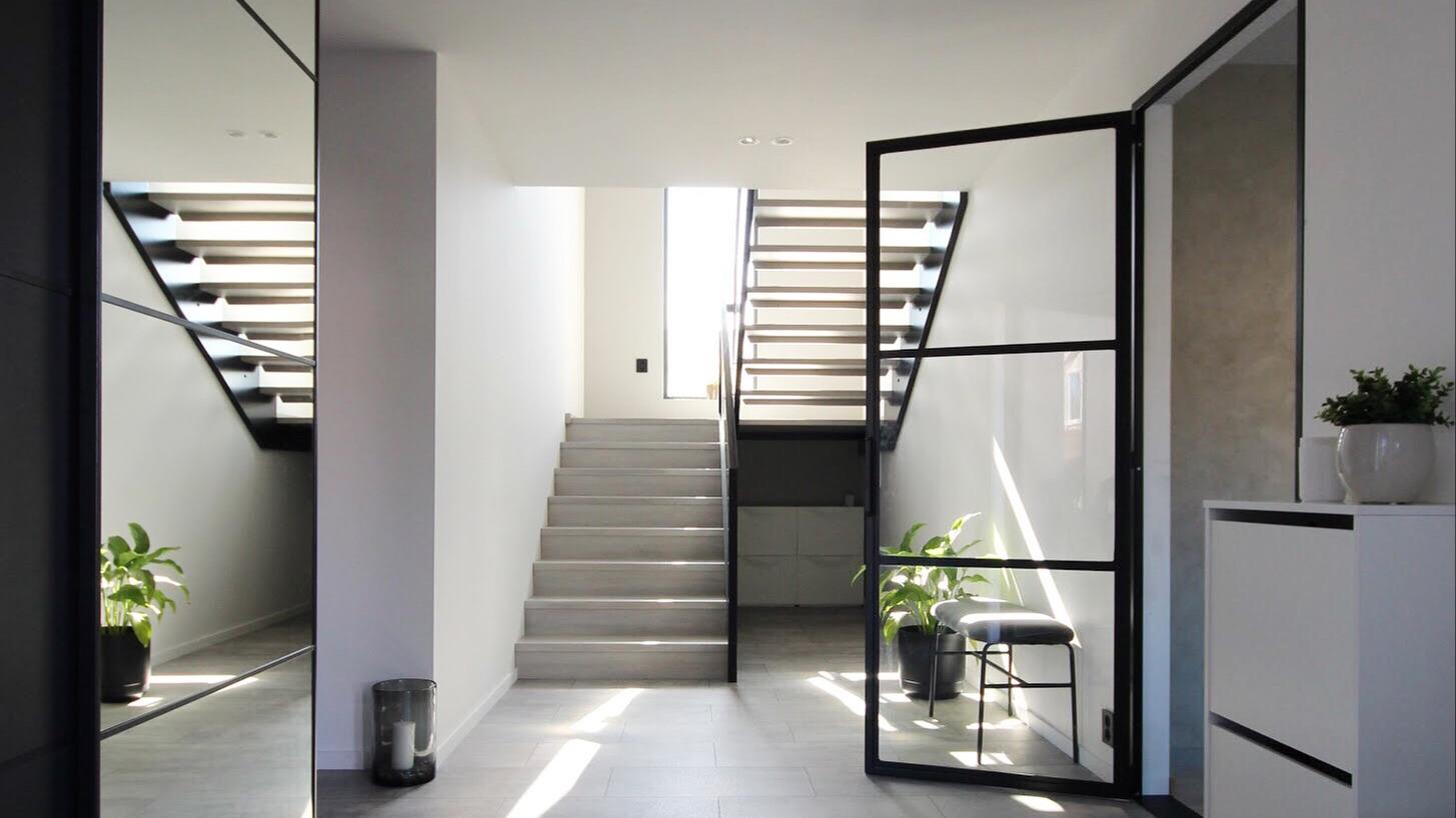 Du kan enkelt påvirke endringer på din egen bolig, slik at den blir akkurat slik du vil ha det. Foto: @i.rdecor