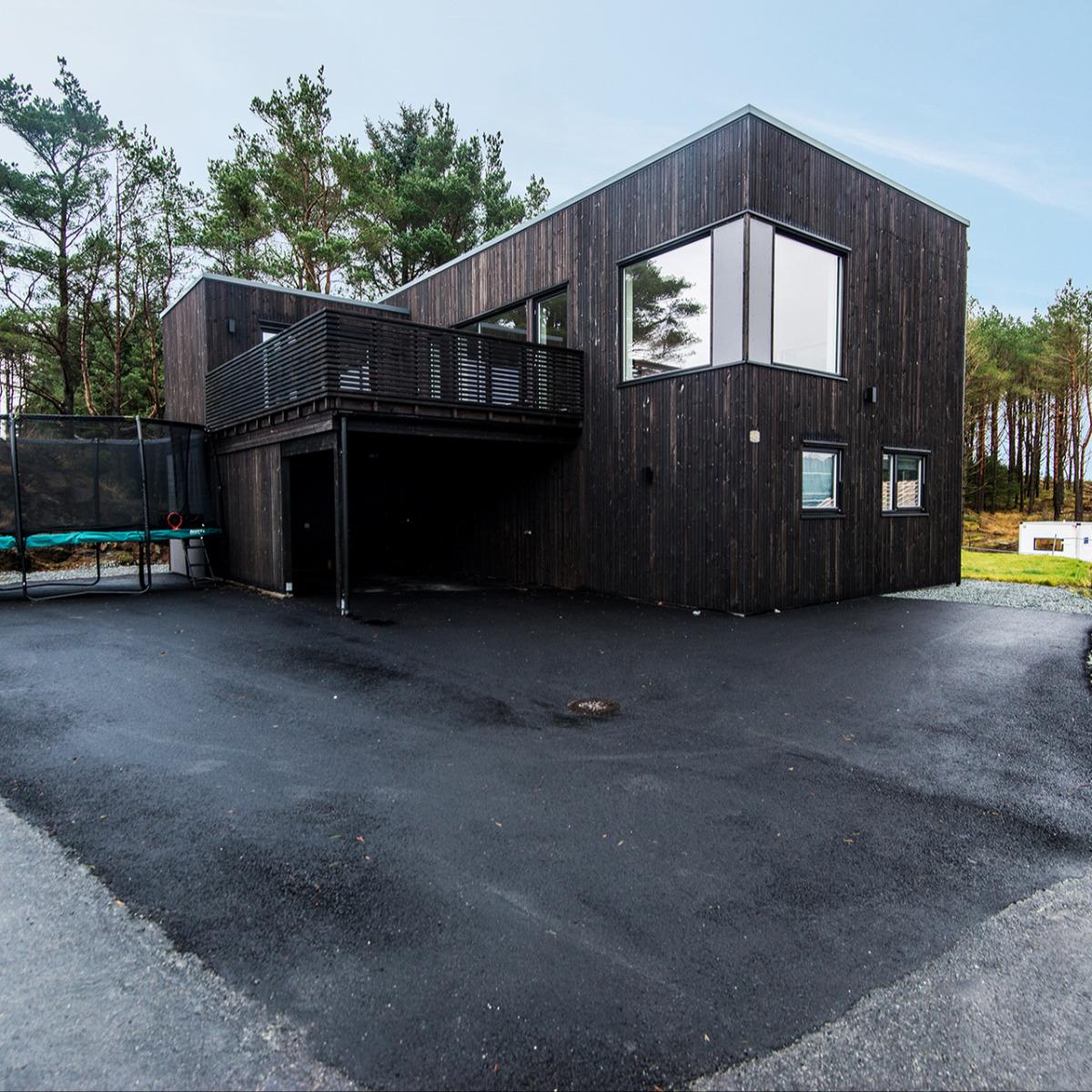 Revidert Ura på Bømlo, bygget på flat tomt