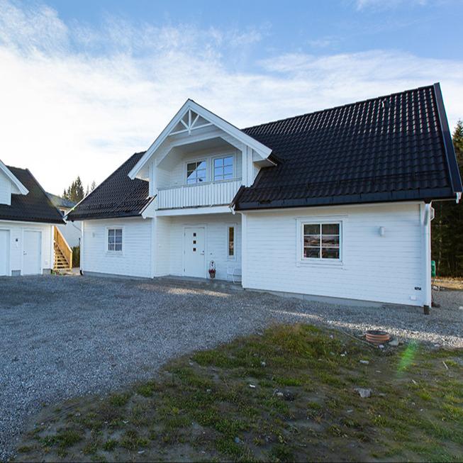 Vågsund med garasje, bygget på Østlandet