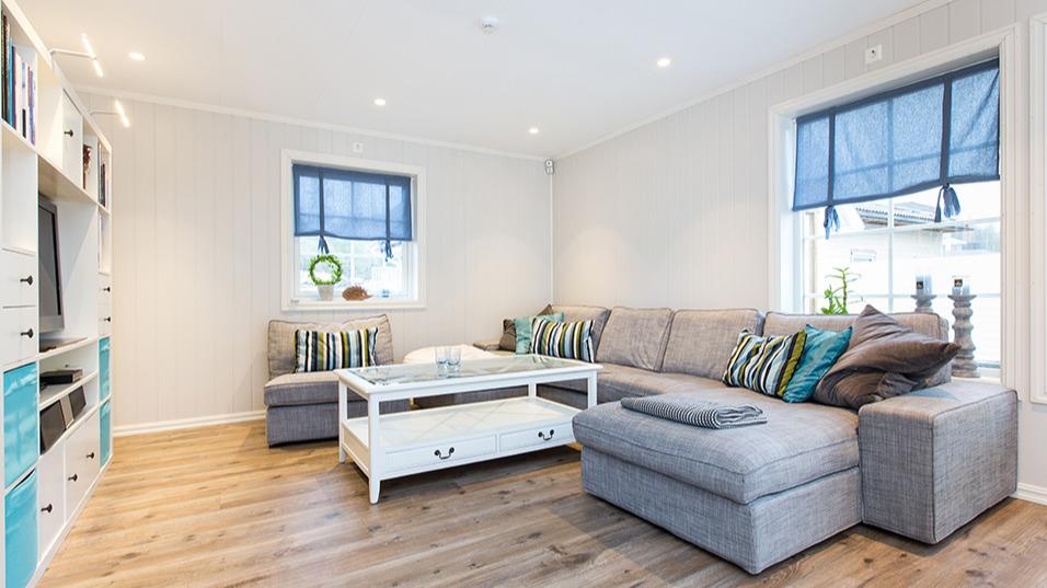 Plass til en stor sofa å slappe av i etter en lang arbeidsdag