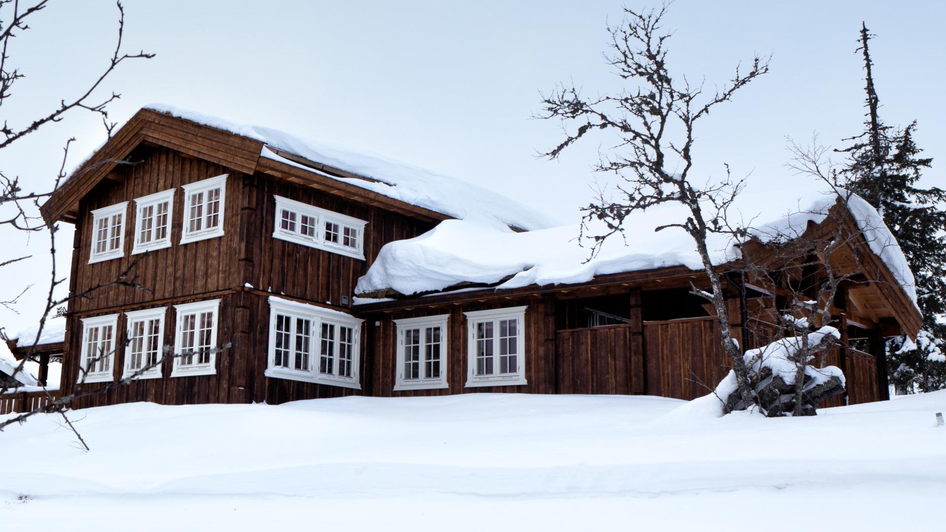 Femunden innpakket i snø