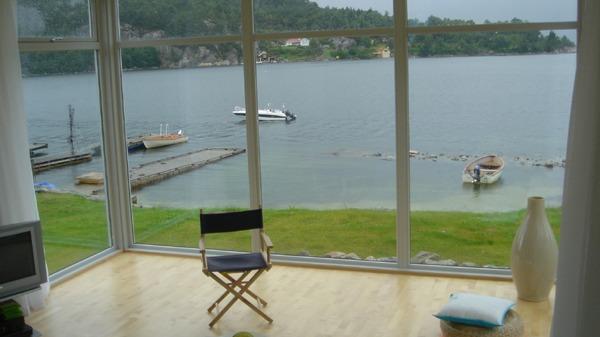Store vindusflater gir en herlig panoramautsikt