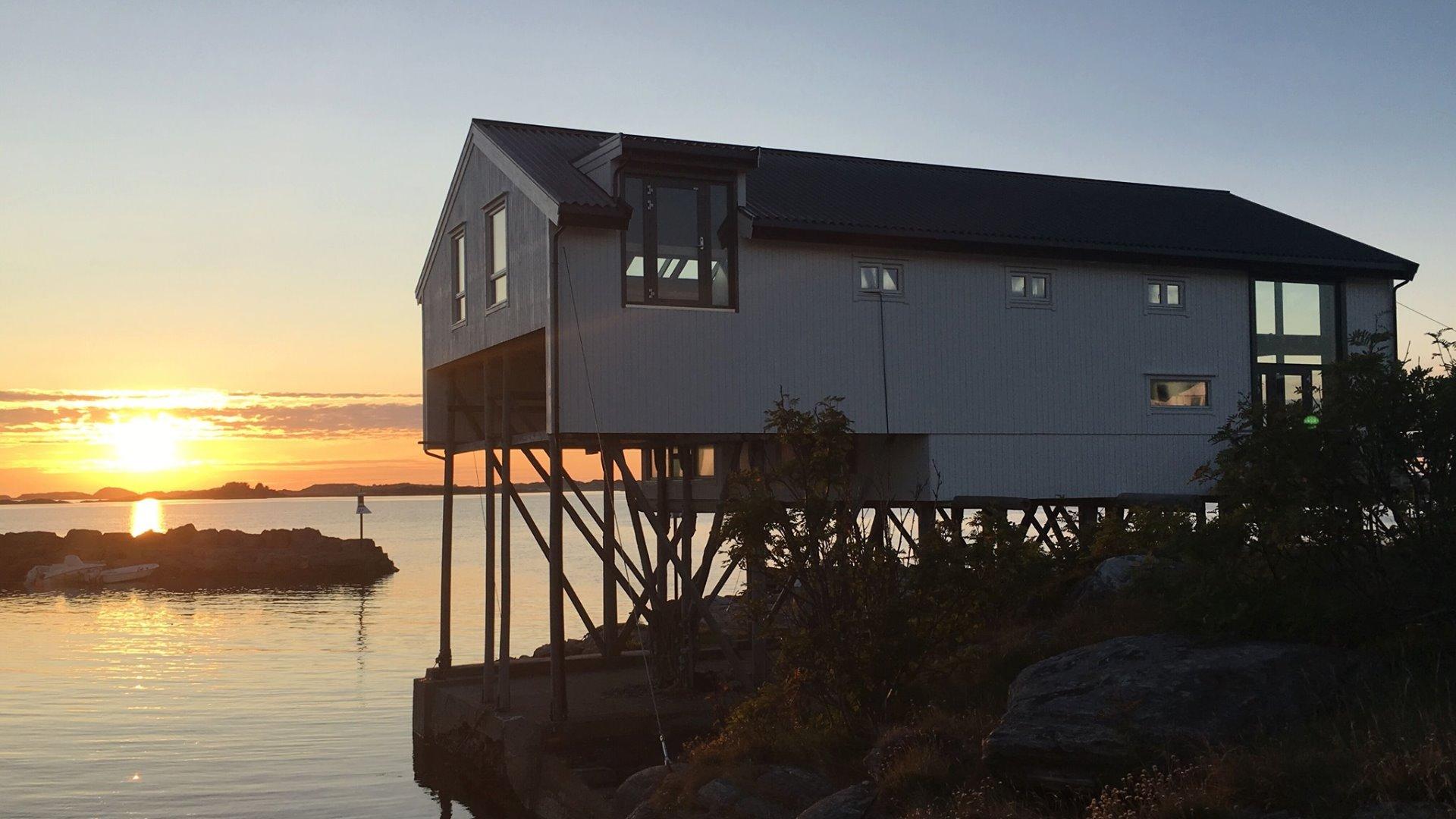 Hengjo, Hellesøy