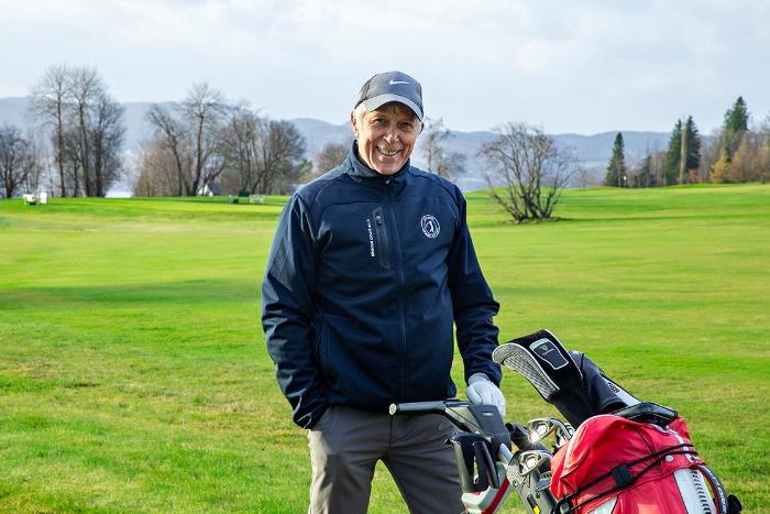 Golferen slår et slag for bedre syn