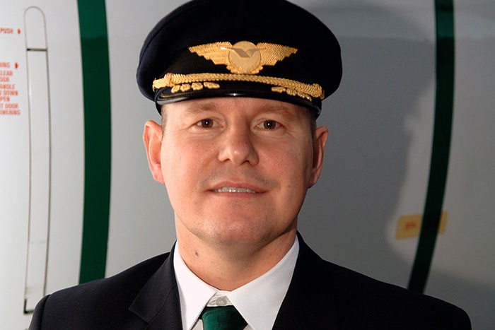 Roy Solgård, kaptein i Widerøe