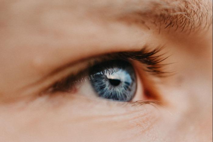 Dette er årsakene til store pupiller | Trondheim Øyelegesenter